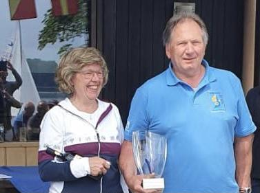 Elisabeth und Herbert Kujan gewinnen am Traunsee